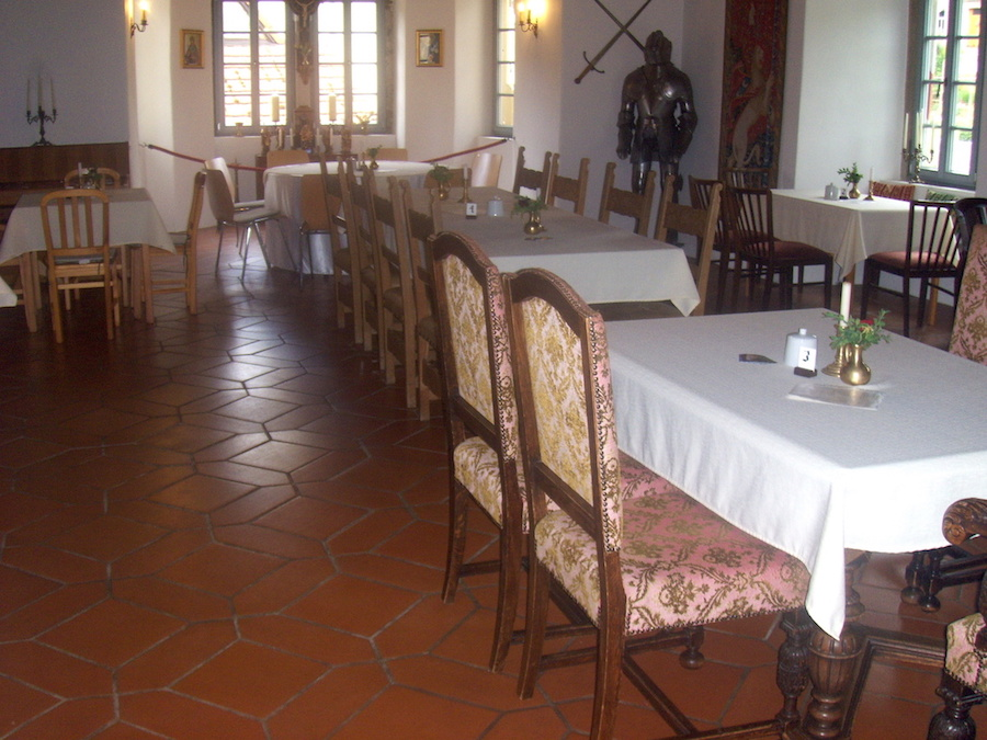 Geyer-Schloss-Rittersaal-Cafe_01