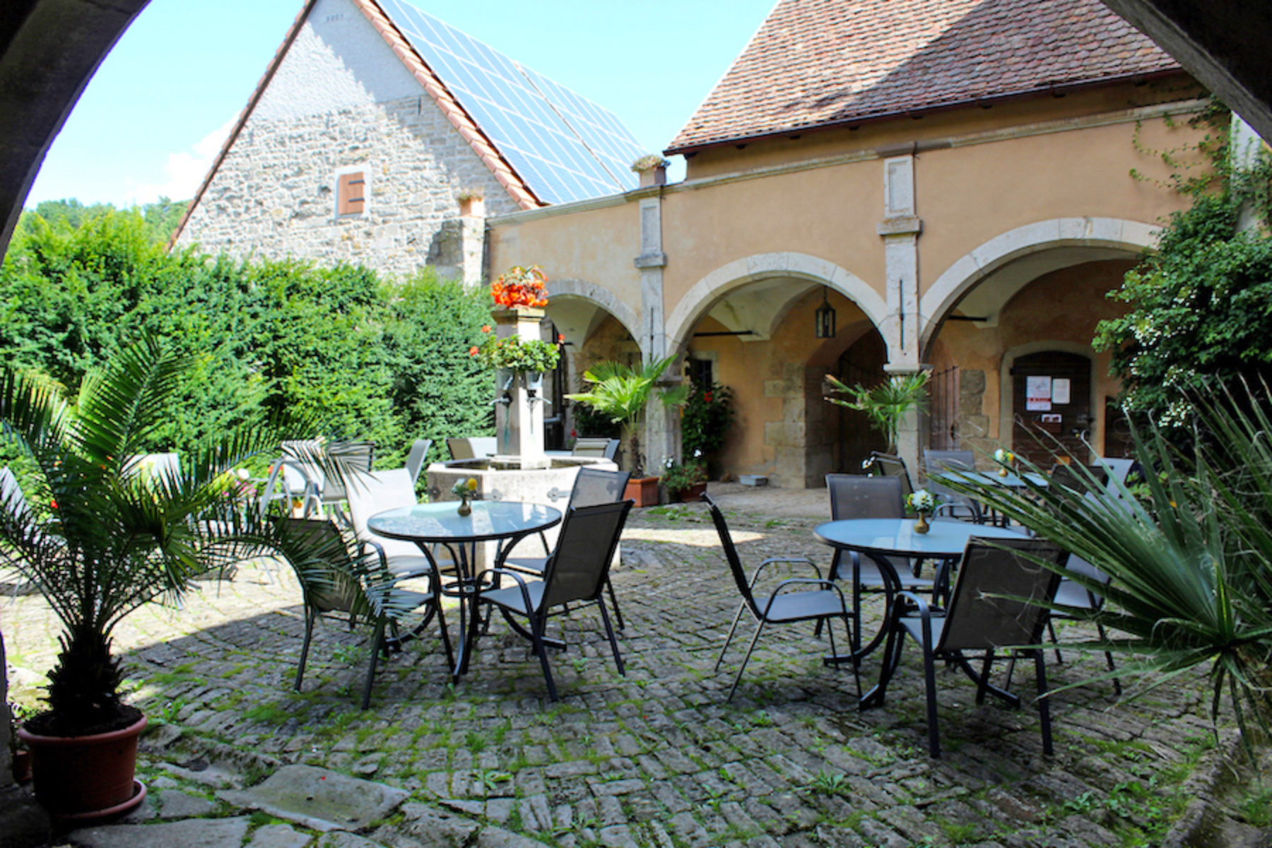 Genießen im Schlosshof