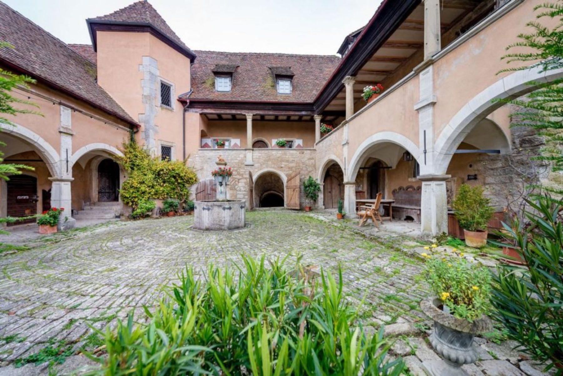 Das Schloss - Café, Feriendomizil und Veranstaltungsort
